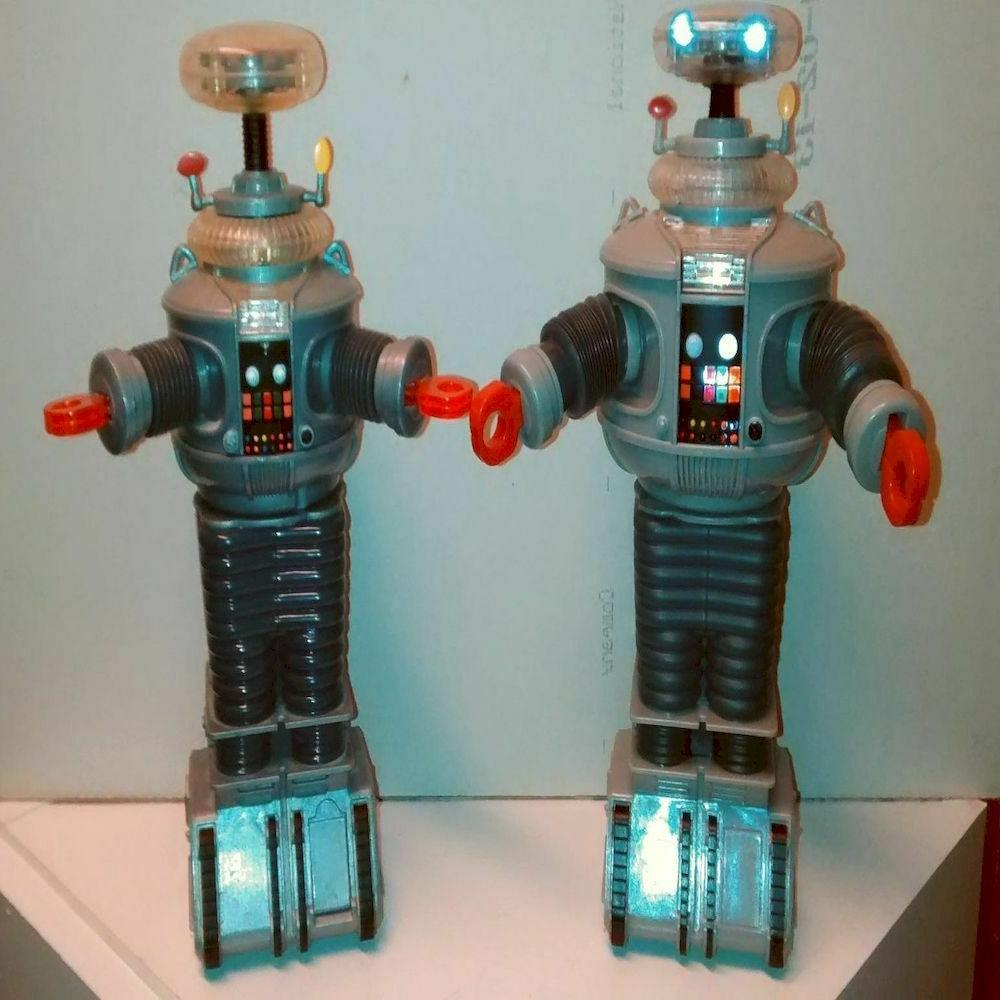 Diamond Select Toys in Electronic and Sounds B9 inches
