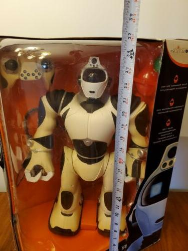 Robosapien Robot White Unopened Model Android Toy